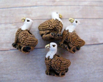20 Tiny Griffin Beads - CB326