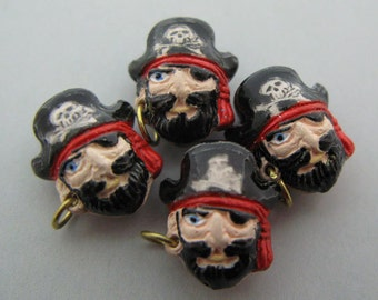 20 Tiny Pirate Captain Beads - CB502