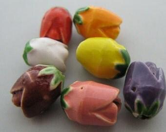 10 Tiny Mixed Tulip Beads