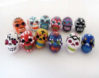 10 Tiny Sugar Skull Beads - CB865