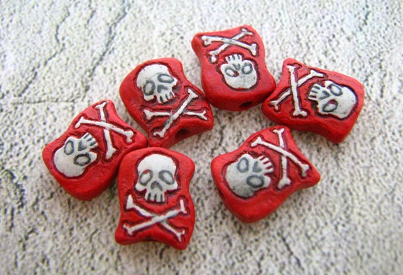 4 Tiny Pirate Flags Beads - red - CB662