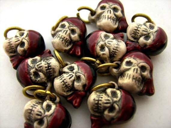 20 Ceramic Beads - Tiny Pirate Captain - pink - CB407