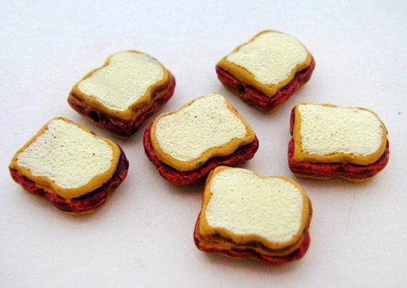 4 Tiny Peanutbutter and Jelly Sandwich Beads