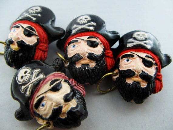 4 Large Pirate Captain Beads
