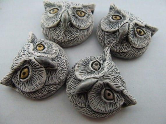 10 Large Owl Head Beads - white
