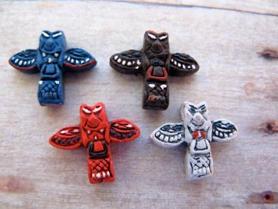 10 Tiny Totem Pole Beads - mixed - CB273