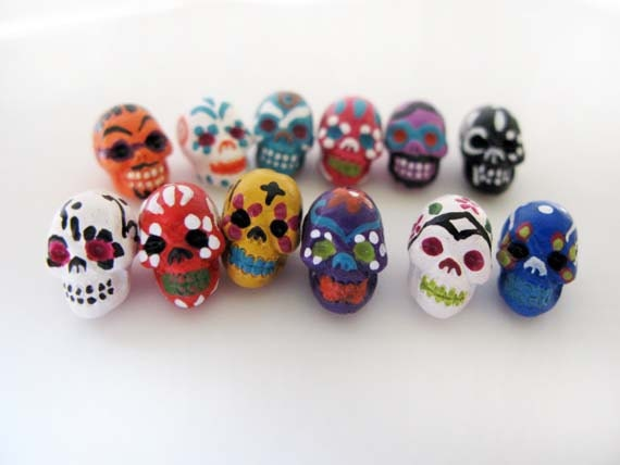20 Tiny Sugar Skull Beads - ceramic, day of the dead, peruvian, halloween - CB865