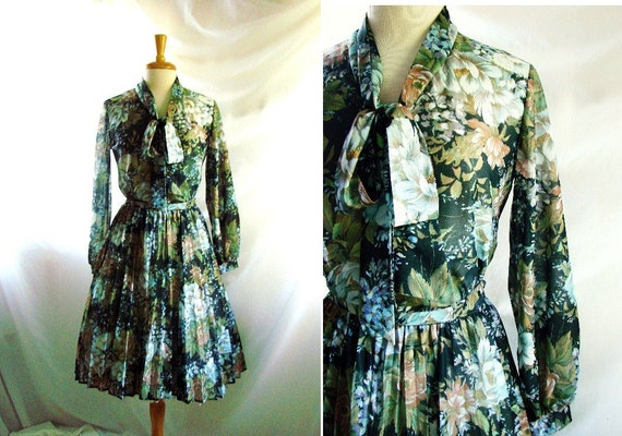 1960s Dress / Vintage 1969s  water lily mad men Dress Skirt  set