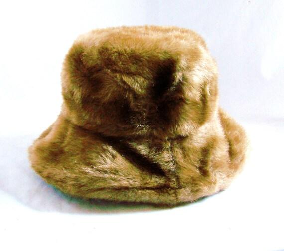 vintage fur hat / vinage tan brown faux fur hat