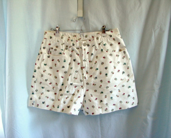 White Floral Denim Shorts /  vintage 1980s Bongo White Floral Denim Jean High Waist Shorts size 11
