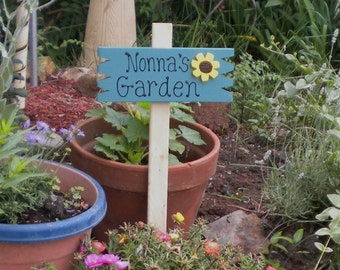 Small Yard Sign 38- Nonna's Garden with sunflower