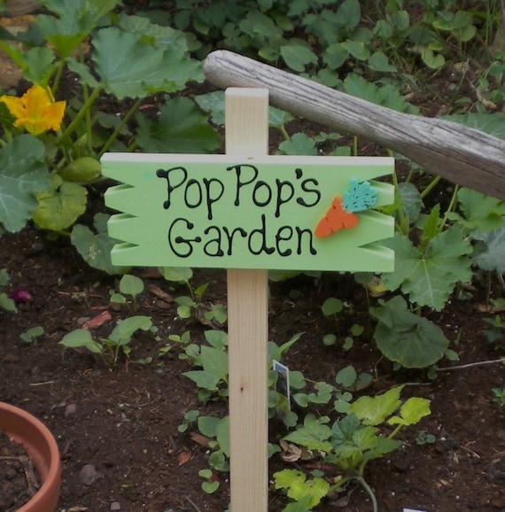 Small Yard Sign 40 - Pop Pop's Garden