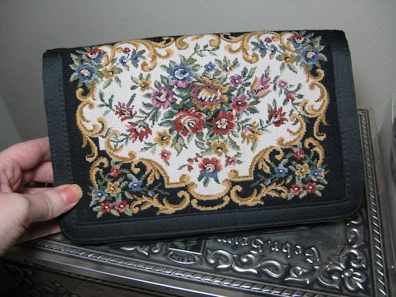 Pretty Vintage Black Tapestry Clutch Floral Purse