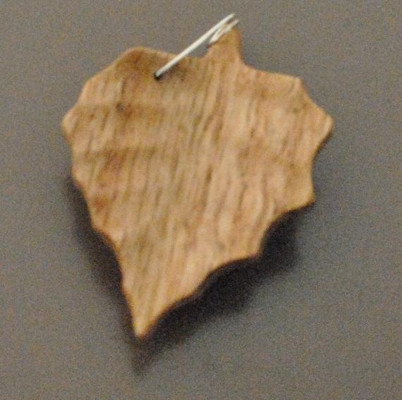 Aspen leaf pendent made of Oak