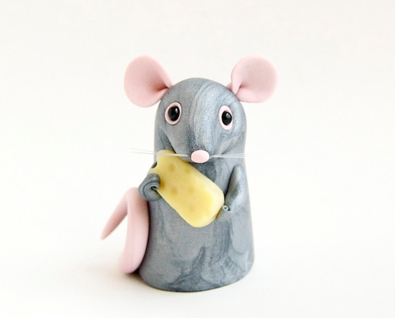 Mouse Figurine with Swiss Cheese by Bonjour Poupette