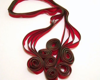Red Flowers Zipper Necklace