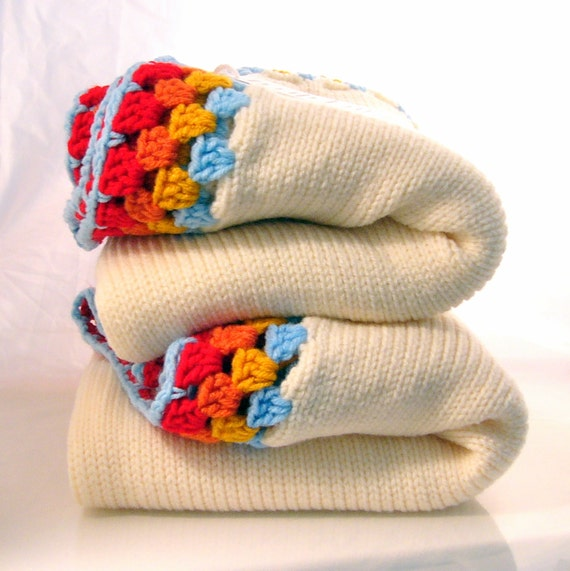 Ivory Knitted Childrens Blanket with Rainbow Granny Square Edge