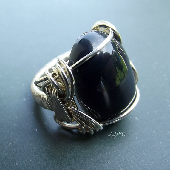 Chunky Wire Wrapped Sterling Silver Ring With Deep Blue Agate Stone. Size 6.