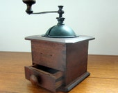 Vintage Coffee Grinder. 1950s. Green Top. Addy on Etsy.