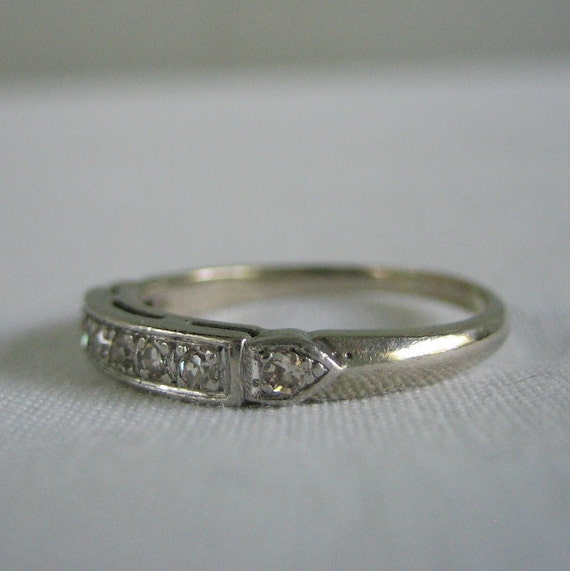 Vintage Wedding Band. 1940s. Diamond. White Gold. Ships from US. Addy on Etsy.