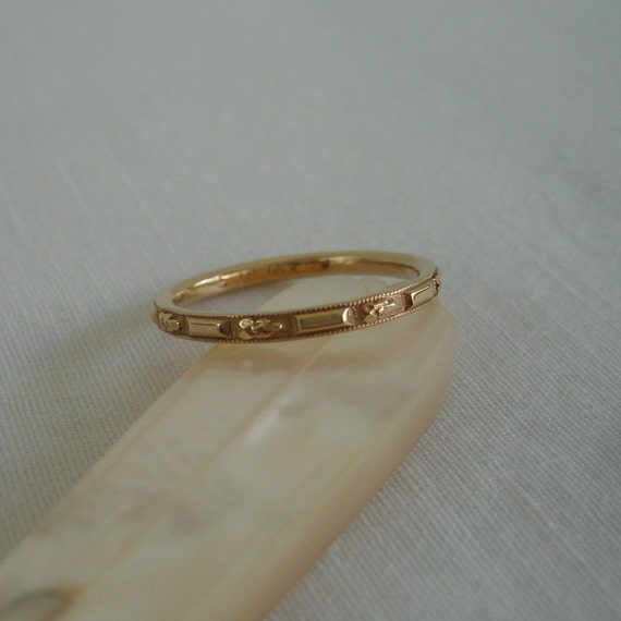 Orange Blossom Wedding Band. Floral and Ribbon Pattern. Yellow Gold. Addy on Etsy.