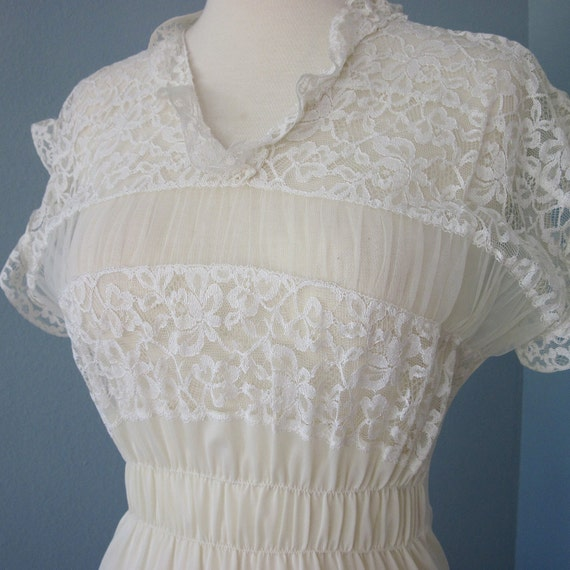 Vintage Lace Nightgown...Aristocraft Creamy White Lace Nylon Nightgown Wedding Lingerie
