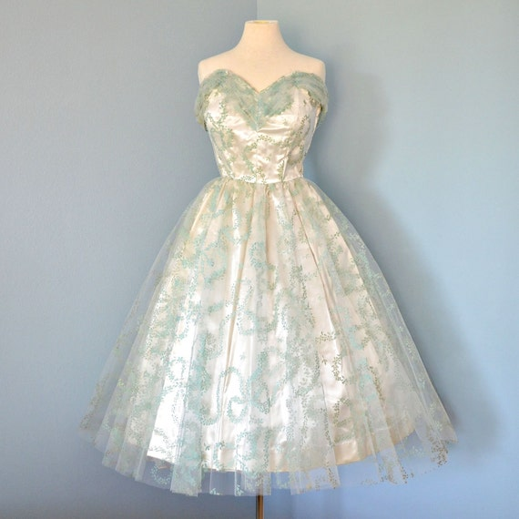 Vintage 1950's Prom Dress...Beautiful Tea Length Strapless