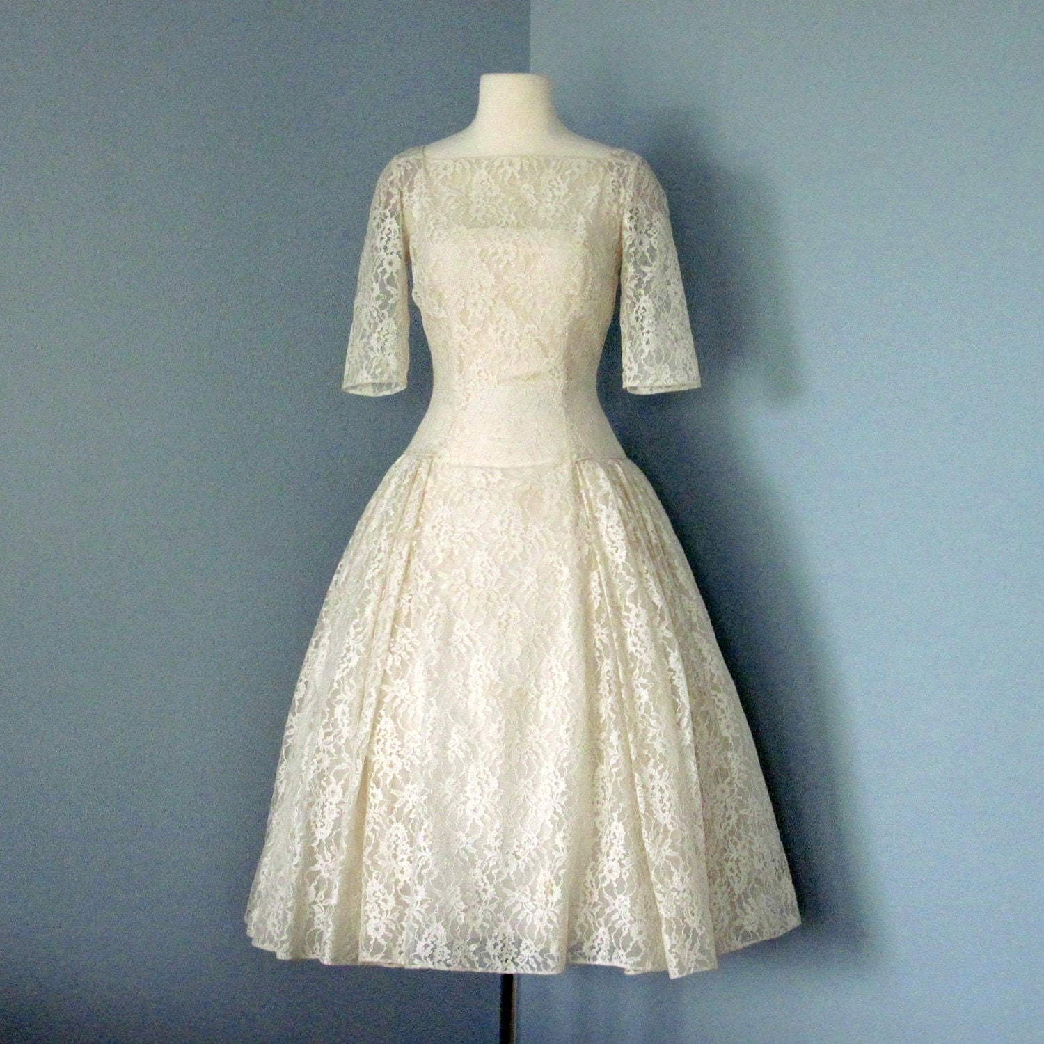 Vintage lace tea length wedding dress 1950s tea length ivory for Retro tea length wedding dresses