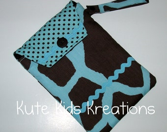 CLEARANCE SALE, Giraffe Diaper and Wipes Case w/Pocket and Wristlet Carrying Strap, Ready to Ship