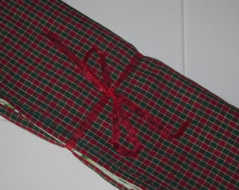 Reversible Placemats - Set of 4 - Plaid/Holly Print