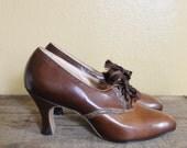 vintage 1920s heels 20s brown leather art deco oxford heels by Enna Jettick new in original box deadstock