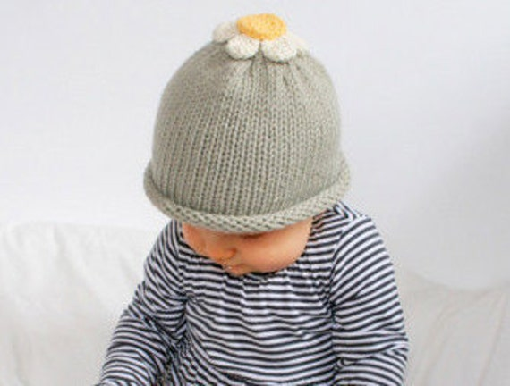 Newborn Hand Knitted Daisy Hat Available size up to 3 Months
