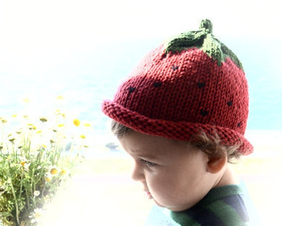 Newborn Red Strawberry Hat Available size up to 3 Months Perfect for Photo Prop
