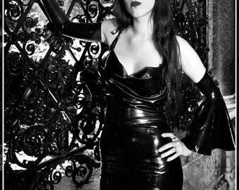 Latex trapezium Vampirella Sleeves
