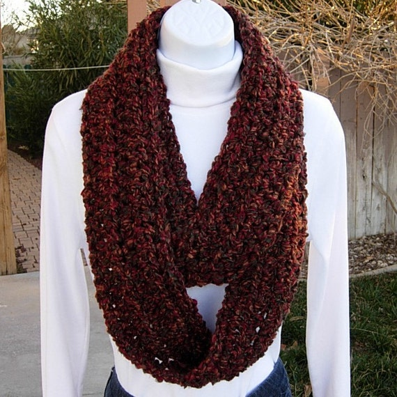 INFINITY LOOP SCARF..Rust, Red, Brown, Green..Autumn Colors..Super-Soft..Crochet..Warm..Winter Cowl, Neck Warmer..Ready to Ship in 3 Days