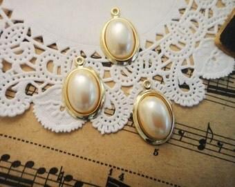 3Pcs Vintage Pearl Pendants