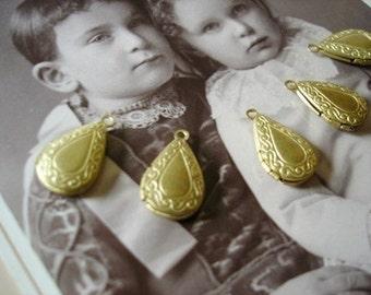 30 pcs raw brass drop shaped lockets