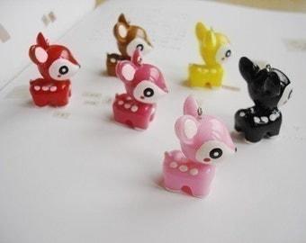 30 Cute Deer  Plastic Charms
