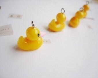4 Little Duck Plastic Charms