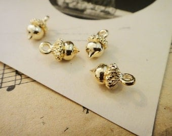 8Pcs Gold Plated Acorns Charms