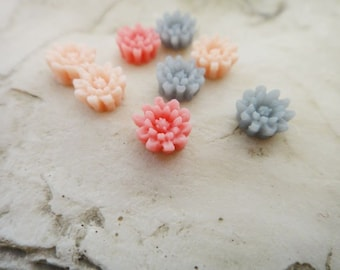10Pcs little wild flowers resin cabs