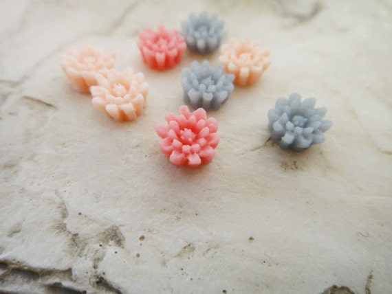 10Pcs little wild flowers resin cabs