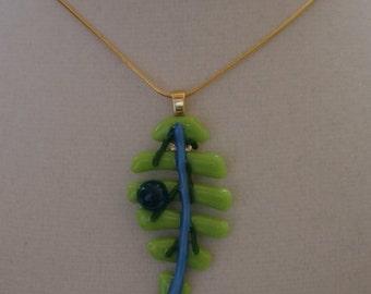 Pendant - Green Leaf with Aqua Dot 1