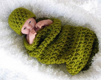 Chunky Newborn Cocoon and Hat Set in Lemongrass Green