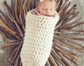 Chunky Newborn Cocoon in Creamy White