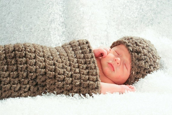 Chunky Newborn Cocoon Hat Set in Brown Barley