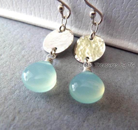 Silver jewelry. Aqua Chalcedony earrings. Silver disc hammered. Beach jewelry. Beach weddings. Dangle earrings. Drop earrings