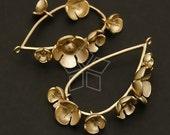 AC-308-MG / 2 Pcs - Dingle Dangle Flower Pendant, Matte Gold Plated over Brass / 25mm x 42mm