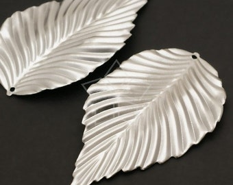 PD-149-MS / 4 Pcs - Natural Leaf Pendant, Matte Silver Plated over Steel / 31mm x 54mm