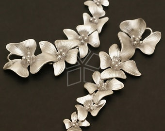 AC-382-MS / 2 Pcs - Fivefold Flower pendant, Matte Silver Plated over Brass / 17mm x 55mm